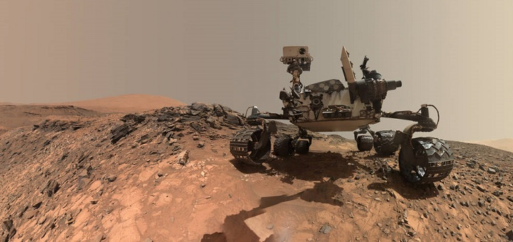 Mars Curiosity Rover snaps 'out of this world' selfie