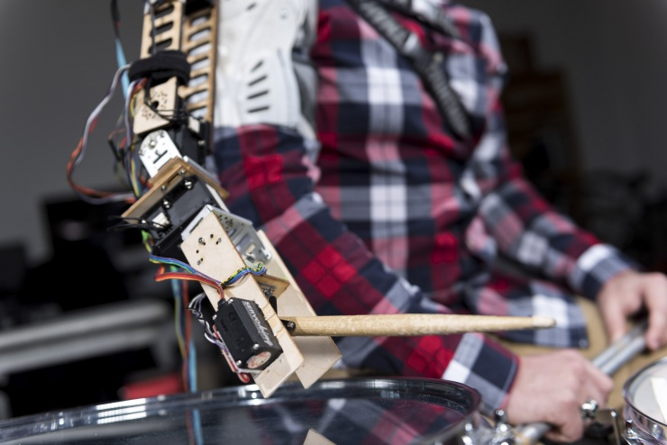 Robotic Arm Drummer