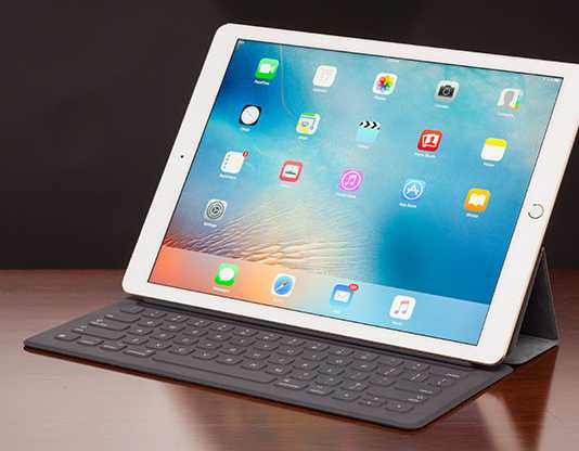 After Apple released iOS 9.3.2 for all the devices, it seems like the owners of 9.7-inch iPad Pro are not at all happy.